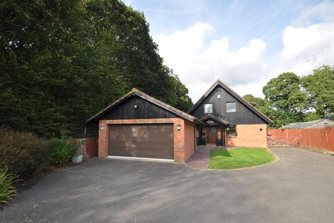 4 bedroom chalet to rent - Church Lane, Shadoxhurst