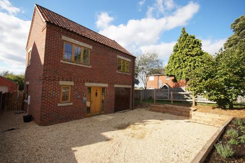 3 bedroom detached house for sale - Castle Hill, Welbourn, Lincoln