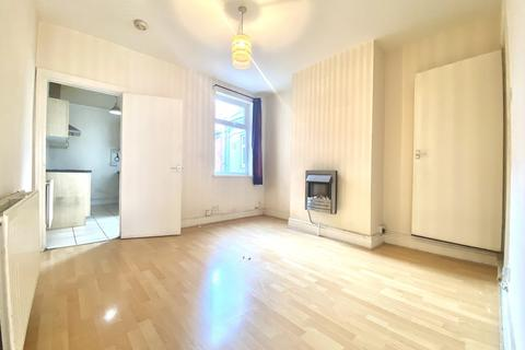 2 bedroom terraced house for sale - Surrey Street, Belgrave, Leicester