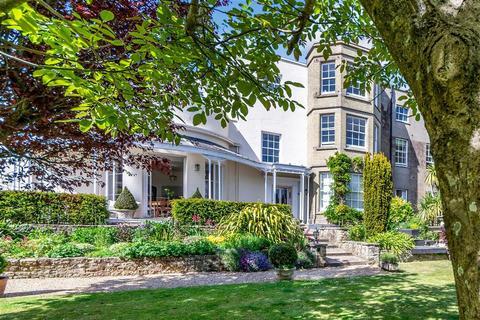 3 bedroom ground floor flat for sale - London Road, Arundel, West Sussex