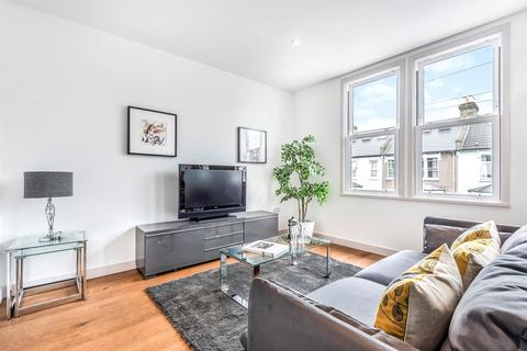 3 bedroom apartment to rent - Selkirk Road, Tooting, SW17