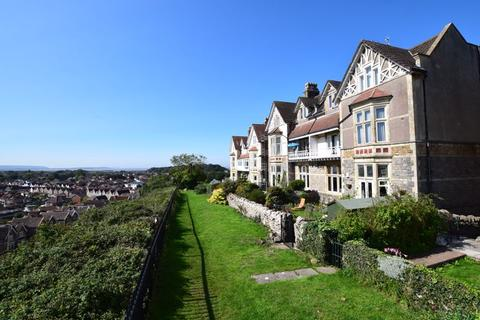Favoured Hillside position within Mid Clevedon. 2 bedroom apartment