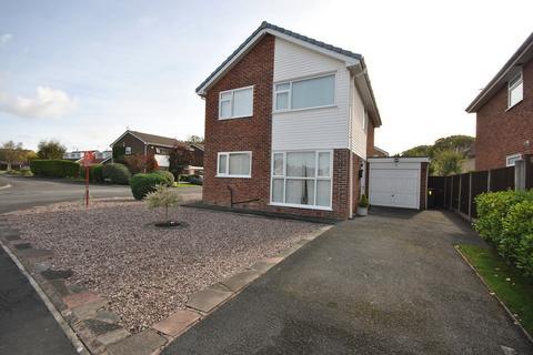 4 bedroom detached house for sale - Ringwood Close, Lytham , FY8