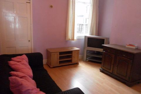 2 bedroom house to rent - 26 Winnie Road, B29 6JX