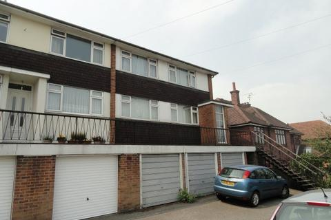 2 bedroom maisonette to rent - Wood Street, Chelmsford, CM2