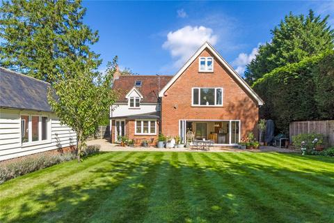 6 bedroom detached house for sale - Lower Road, Stoke Mandeville, Aylesbury, Buckinghamshire, HP22