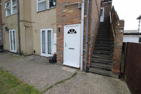 1 bedroom apartment to rent - Chesnut Court, High Street South, Dunstable