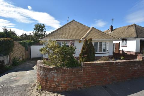 3 bedroom detached bungalow for sale - Harmsworth Gardens, Broadstairs, CT10