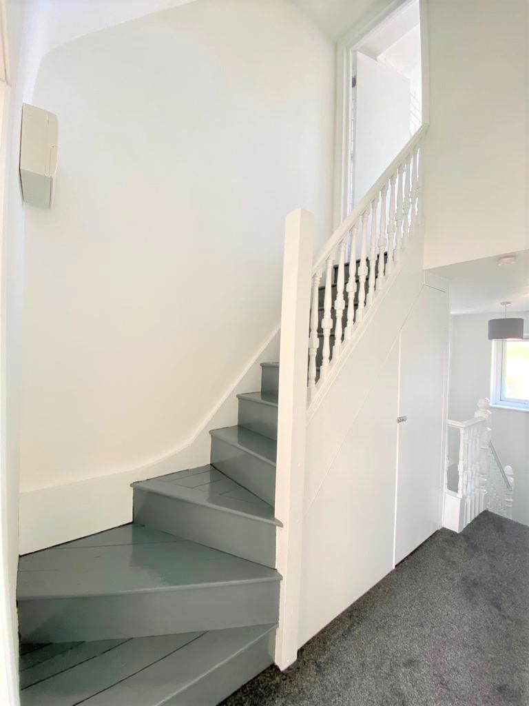 Stairway to bath.JPG