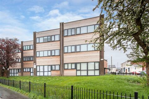 2 bedroom apartment for sale - Ashley Court, Hall Street, Swinton, Manchester