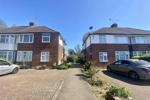 2 bedroom maisonette to rent - Lyndhurst Gardens, Enfield