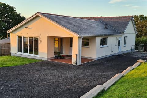 4 bedroom detached bungalow for sale - Heol Y Mynydd, Garnswllt, Ammanford
