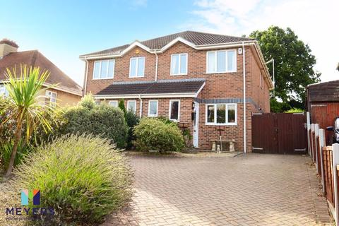 3 bedroom semi-detached house for sale - Clarendon Road, Broadstone BH18