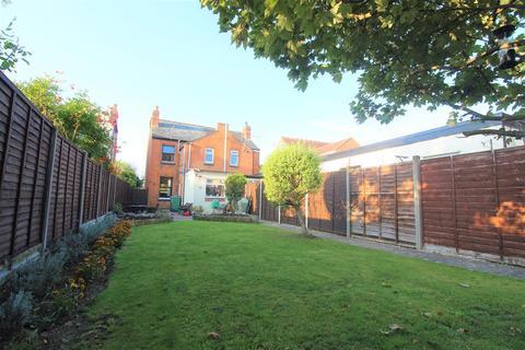 2 bedroom semi-detached house for sale - Billbrook Road, Hucclecote, Gloucester