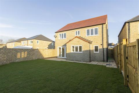 4 bedroom detached house - Manor Road, Brimington, Chesterfield