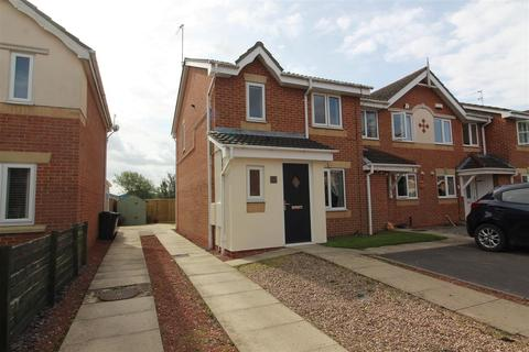 3 bedroom end of terrace house for sale - Haverflats Close, Hull