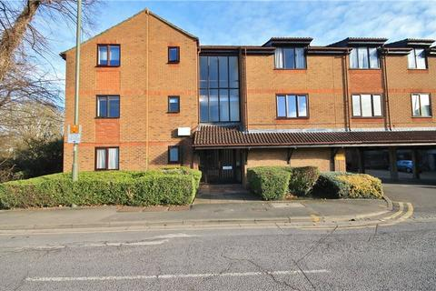 1 bedroom apartment for sale - Linden Place, Fairfield Avenue, Staines-upon-Thames, Surrey, TW18