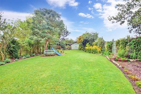 5 bedroom semi-detached house for sale - Woodstock Avenue, Harold Wood, Essex
