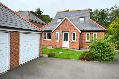 3 bedroom bungalow for sale - Dol Y Felin, Abermule, Montgomery, Powys, SY15