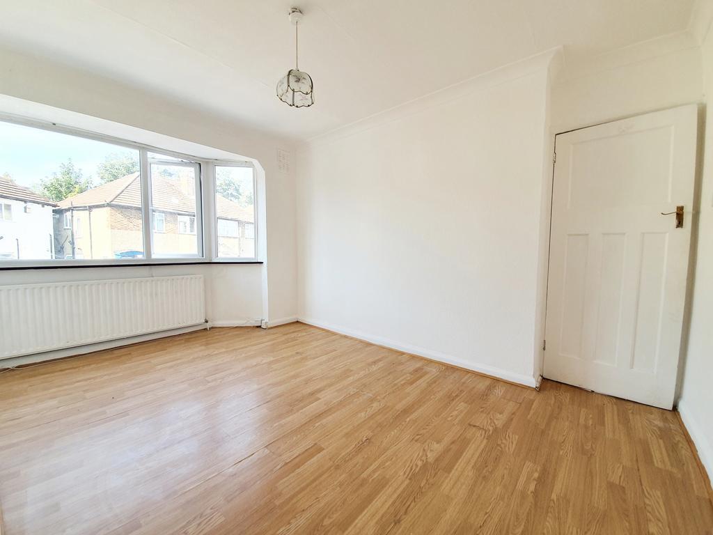 2 bedroom first floor maisonette