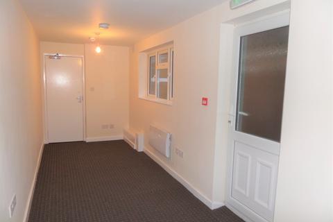 Studio to rent - 2 Jubilee Builings, The Green, Darlaston, West Midlands, WS10