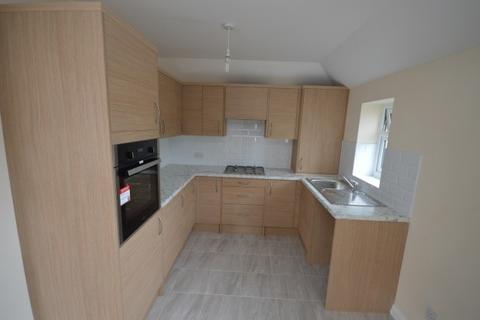 4 bedroom maisonette to rent - Boulton Road,  Dagenham, RM8