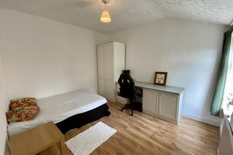 Studio to rent - 1 Blair Road, Manchester, M16 8NS