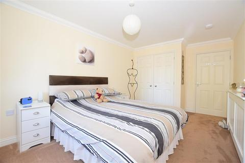2 bedroom flat for sale - Coventry Gardens, Deal, Kent