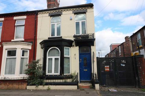 4 bedroom house - Malden Road, Liverpool