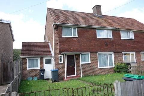 4 bedroom semi-detached house to rent - Willow Road, New Malden, KT3 3RS