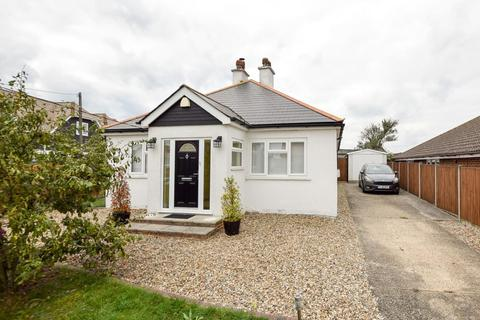 3 bedroom detached bungalow for sale - Golden Hill, Whitstable