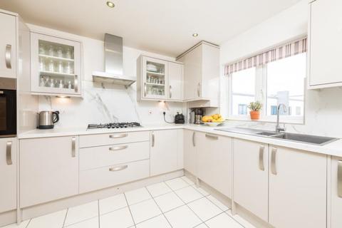 3 bedroom apartment for sale - The Brambles, Latimer Road, Headington, Oxford, Oxfordshire