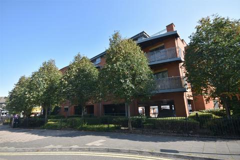 2 bedroom flat for sale - Buckingham Court, Buckingham Street, Aylesbury, Buckinghamshire