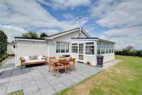 3 bedroom detached bungalow for sale - Hazlemere Drive, Beltinge, Herne Bay, Kent