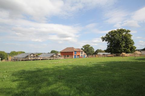 2 bedroom detached house for sale - Speeds Farm Place, Langton Green