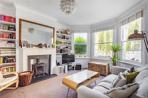 2 bedroom flat for sale - Falkland Road, London, N8