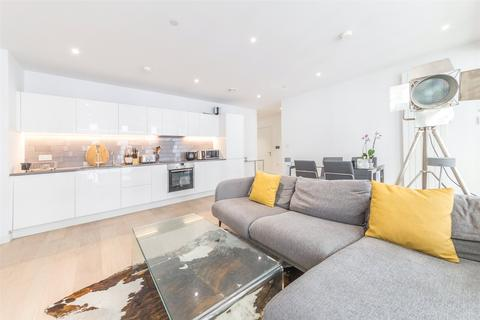 2 bedroom apartment for sale - Windlass House, 21 Schooner Road, Royal Wharf, London, E16