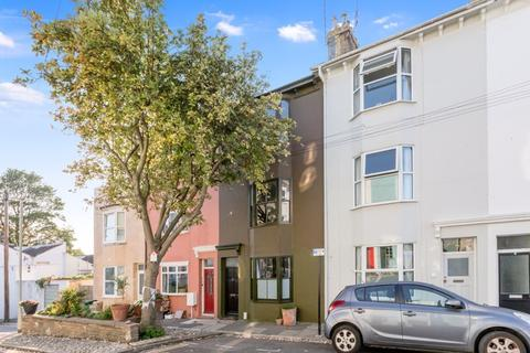 3 bedroom terraced house for sale - Whichelo Place, Hanover, Brighton BN2 9XE