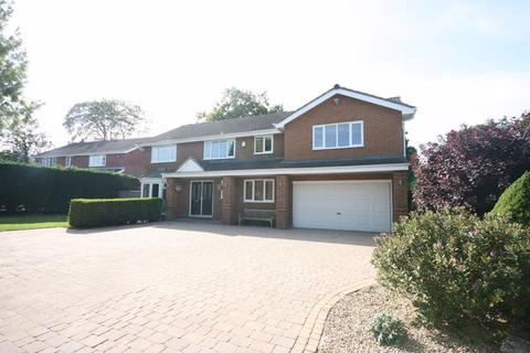 6 bedroom detached house for sale - 9 Richmond Way, Darras Hall, Ponteland Newcastle Upon Tyne, Ne20 9HU