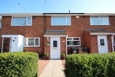 3 bedroom terraced house for sale - 3 bed in Stopsley with great kitchen, garden and conservatory..