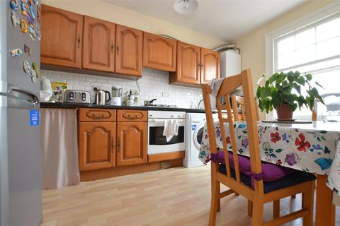 2 bedroom apartment to rent - Conyers Road, London, SW16
