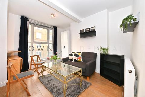 4 bedroom flat to rent - Kentish Town Road, London, NW1 9PX