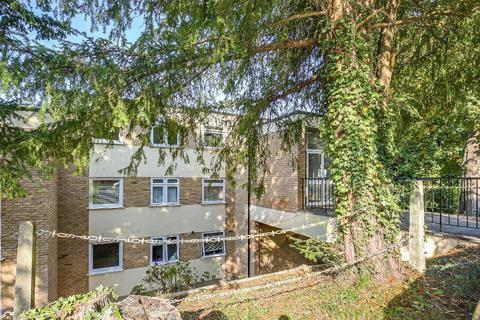 3 bedroom flat for sale - Westview Road, Warlingham, Surrey, CR6 9JD