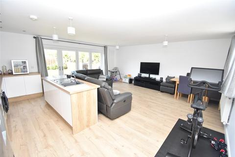 3 bedroom bungalow for sale - Orchard Close,, Houghton Regis, LU5