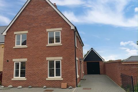 4 bedroom detached house to rent - Finzi Grove, Biggleswade, SG18