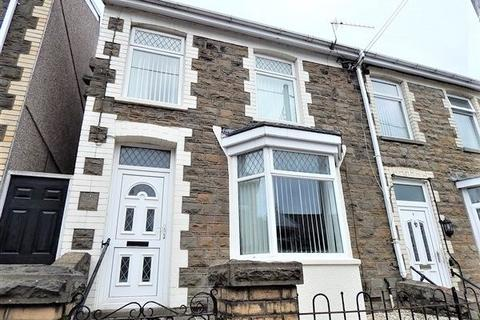 3 bedroom end of terrace house for sale - Grosvenor Road, Abertillery, NP13 1PA