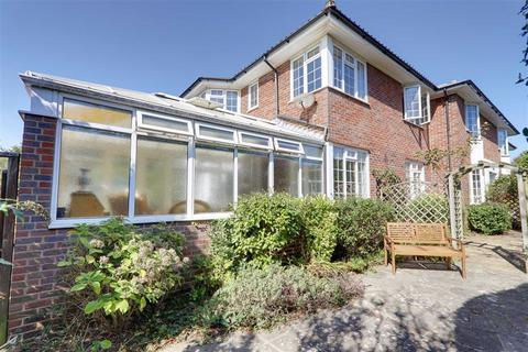 2 bedroom flat for sale - Hartland House, Southview Drive, Worthing, West Sussex, BN11