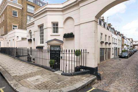 4 bedroom mews for sale - South Eaton Place, London, SW1W