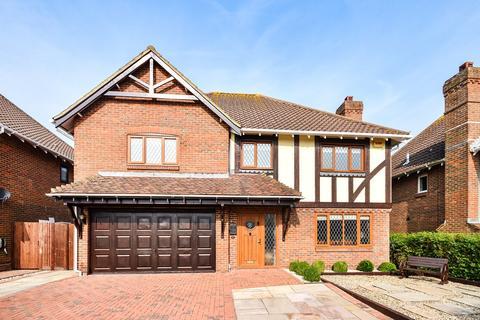 5 bedroom detached house for sale - Petrel Way, Hawkinge, Folkestone, CT18