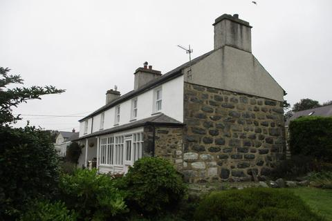 4 bedroom detached house - Lon Fel, Criccieth
